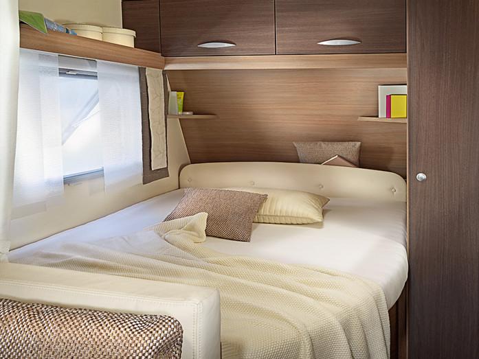 caravanes confort avec int rieur moderne 02170180. Black Bedroom Furniture Sets. Home Design Ideas