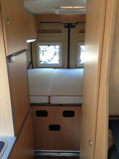 fourgons compacts iroise amnags amnagement de. Black Bedroom Furniture Sets. Home Design Ideas