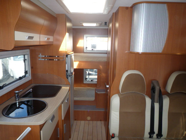 camping car pilote aventura a650 aeg le 96400785. Black Bedroom Furniture Sets. Home Design Ideas