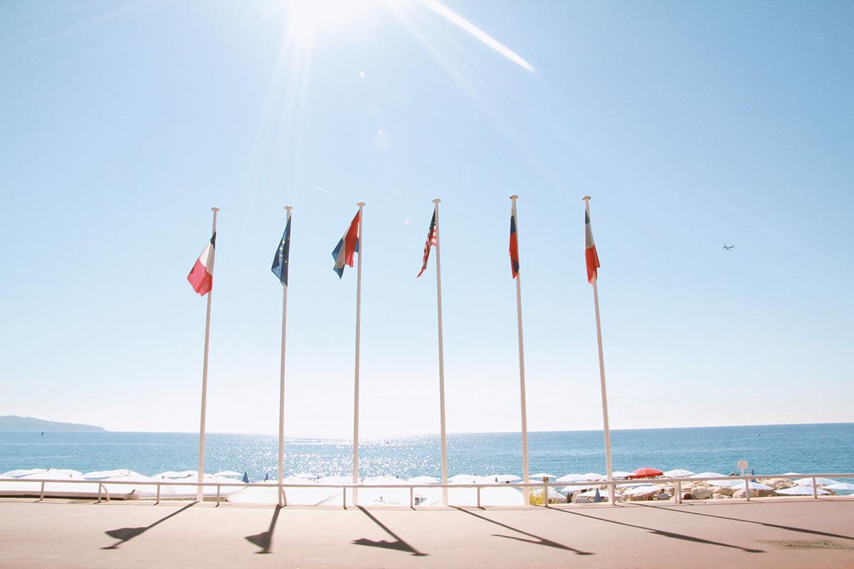 Admirez la beauté de la Côte d'Azur en voyageant en camping-car